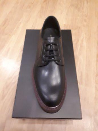 Sapatos Versace novos