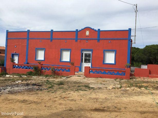 Terreno para construção de edifício comercial próximo de ...