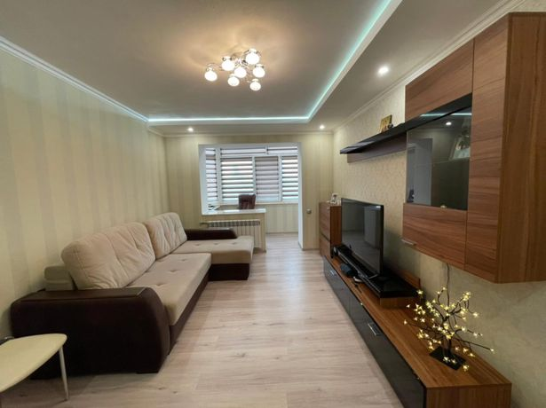 Продам 2-х комнатную квартиру,Центр,Свободы 34