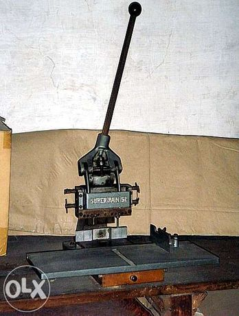 Máquina de Furar - Máquinas e equipamentos de encadernação