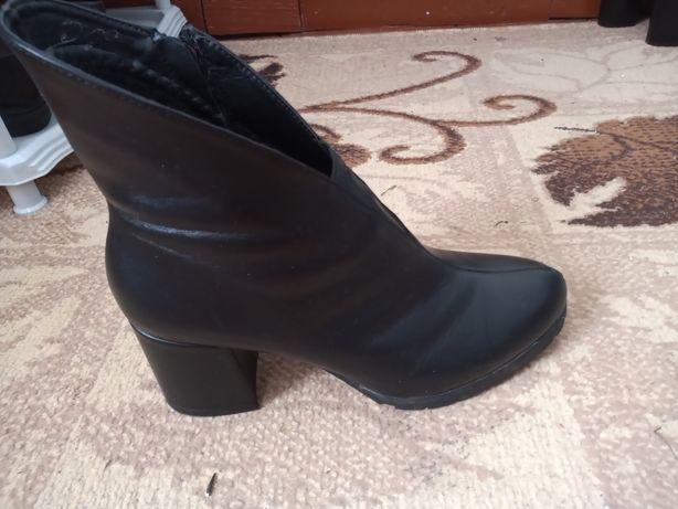 Демисезон ботинки 39