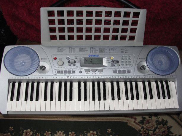 Синтезатор Yamaha PSR275
