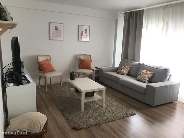 Apartamento T2 à venda na praceta Manuel Faria, 6