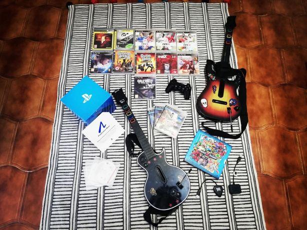12 Jogos PS3™ + 10 Jogos Move™ + Oferta de Comando + 1 Guitarras GH