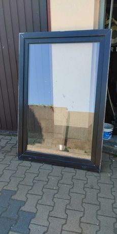Okno plastikowe ciemny brąz 151x106