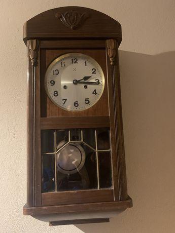 Zabytkowy zegar ścienny HAU