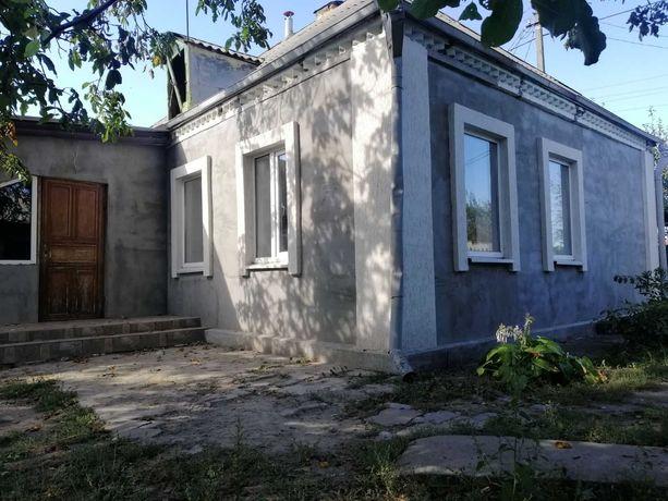 Срочно дом с ремонтом и удобствами в центре возле АТБ .