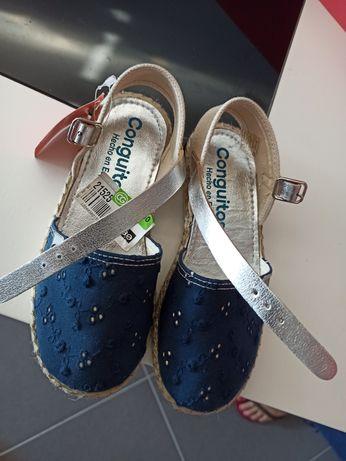 Sandálias Conguitos número 30 - novas