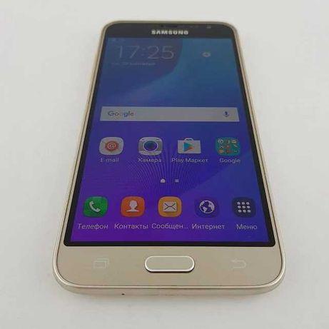 Телефон Samsung galaxy J2 в хорошем состоянии