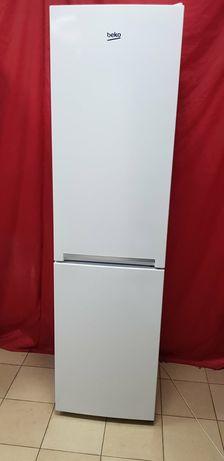 Холодильник Beko. Нижняя морозильная камера.