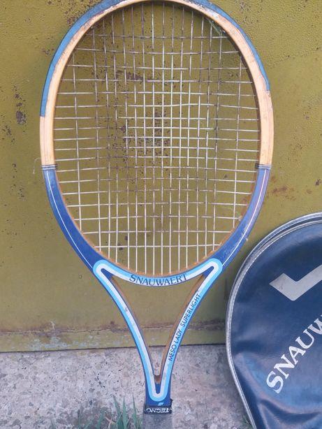 Продам тенісну ракетку