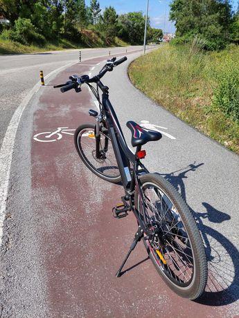 Bicicleta elétrica BTT