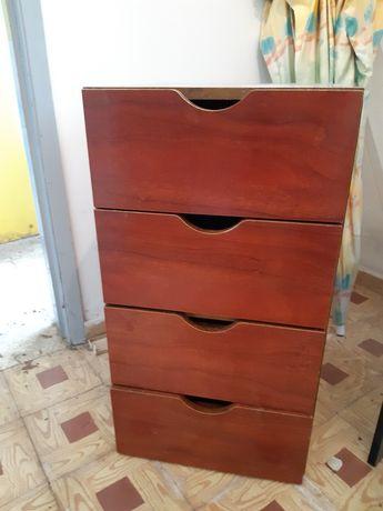 Módulo de gavetas em madeira