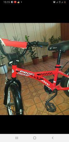 Продам детский велосипед 5-7 лет