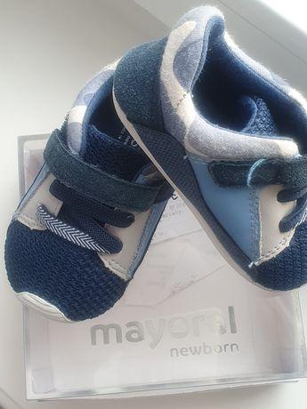 Buty sportowe Mayoral Newborn r. 19 dla chłopca