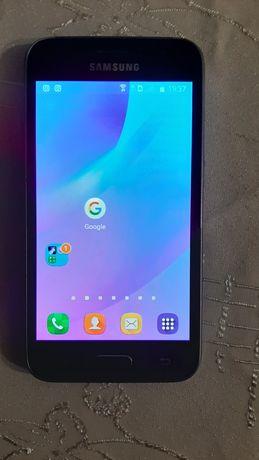 Samsung j1 2016.