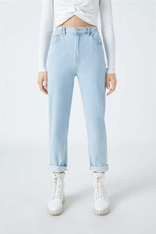 Новые голубые джинсы mom pull&bear