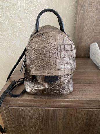 Рюкзак шкіряний,стан ідеальний