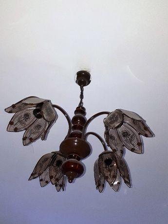 Lampa starodawna, ładnie się prezentuje