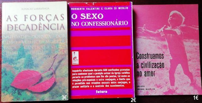 Livros religiosos, Bíblia Sagrada, missal romano, Vaticano