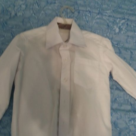 Сорочка біла на 3-4 роки