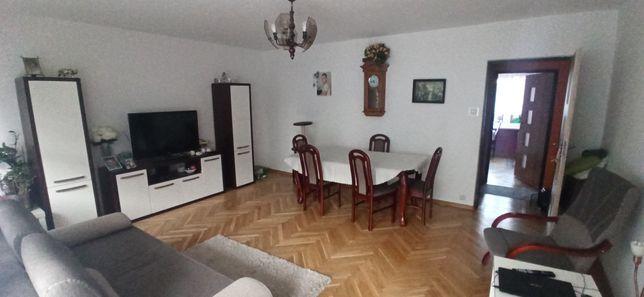 M4, 1 piętro, 3 pokoje, umeblowane,