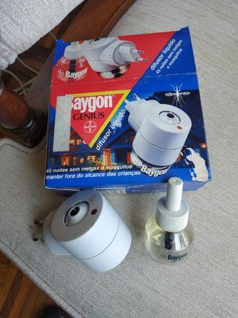 Difusor elétrico Baygon anti-melgas e mosquitos