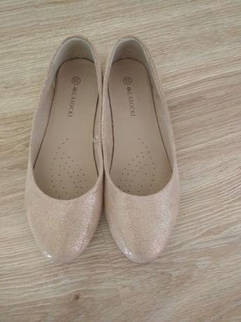 Pantofelki dziewczece