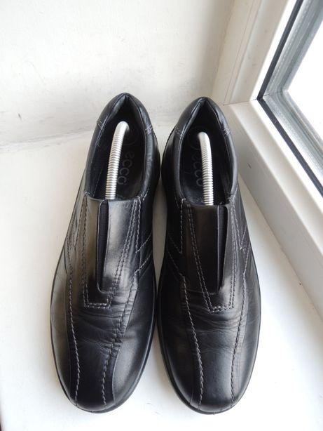 фирменные кожаные туфли ECCO р.38 (25 см)