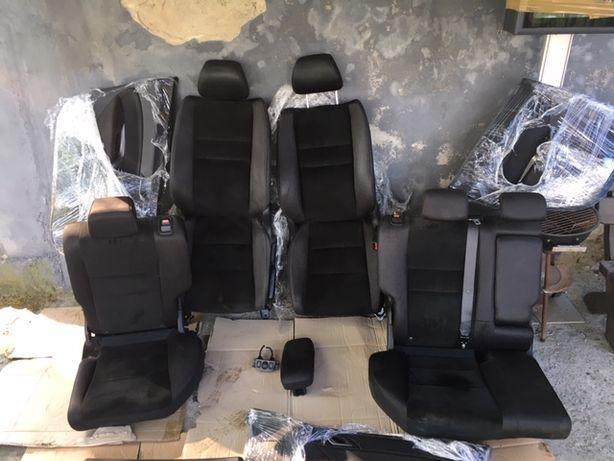 Honda Civic VIII Ufo 5d Tapicerka Alcantara Fotele Grzane Europa