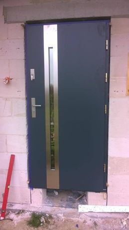 Drzwi wejściowe sosnowe Andre 2 komplet z ościeznicą, okucia