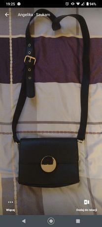 Śliczna torebka na ramię czarna
