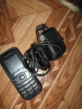 телефон полу рабочий с зарядкой