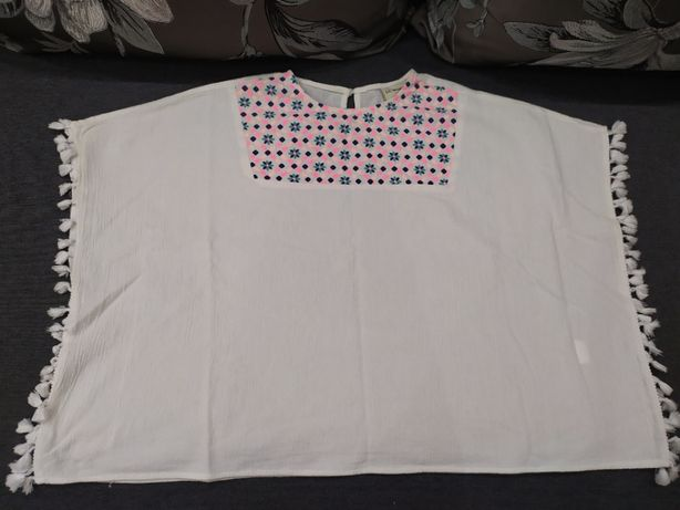 Незвична блуза-пончо від LC Waikiki