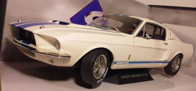 1/18 Ford Mustang GT500 - Solido