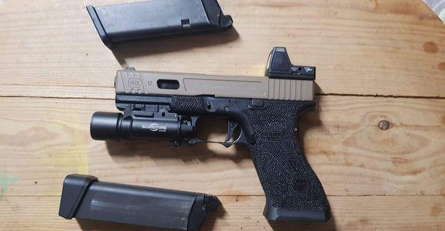 Airsoft glock 17 TM full extras