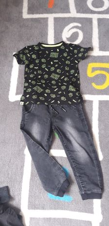 Spodnie i koszulka reserved rozmiar 104