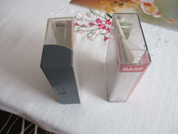 Pudełka opakowania na małe kasety SVHS i VHS C do kamer kasetki.