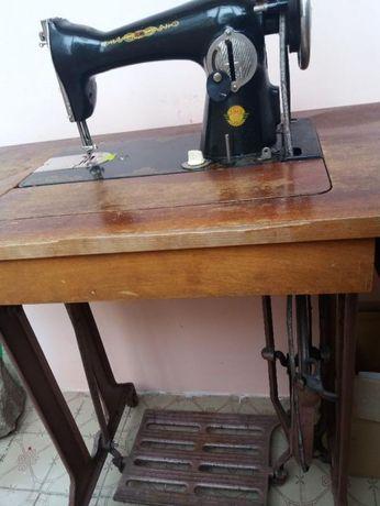 Швейна машинка Подолка