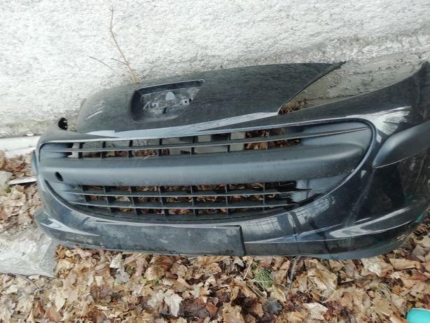 Sprzedam zderzak przedni Peugeot 207