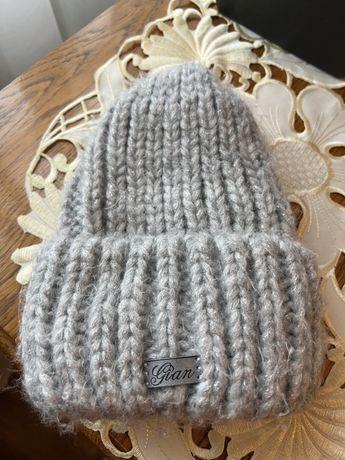 Зимова шапка, в хорошому стані