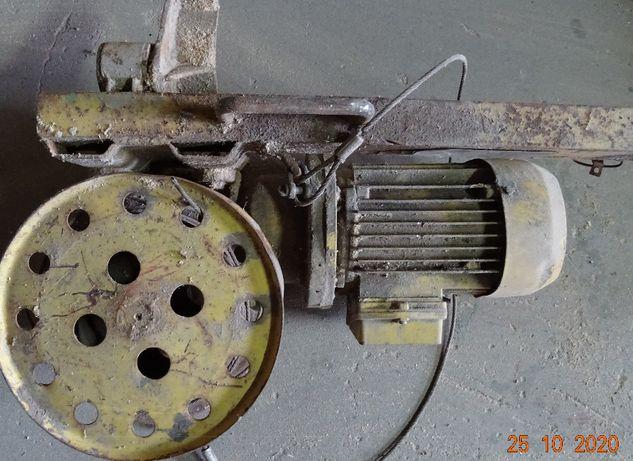Motoreduktor z silnikiem od windy budowlanej