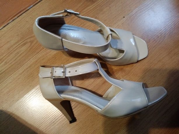 Buty lakierowane roz.38