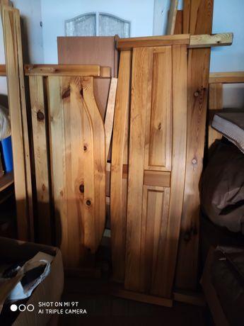 Łóżka sosnowe używane
