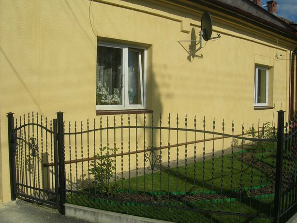 Sprzedam dom w Tyczynie, blisko centrum.