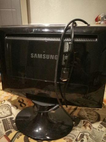 """монитор  20"""" Samsung SyncMaster T200+миша нова,шнури . Гарний стан!"""