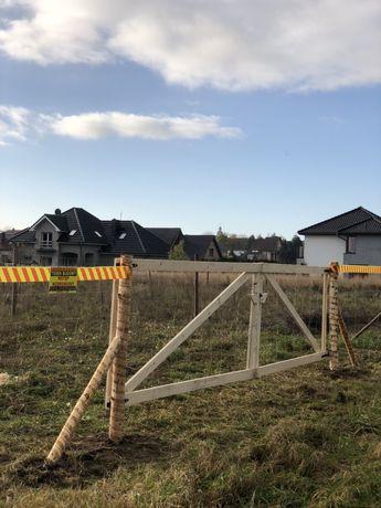 Ogrodzenie budowlane tymczasowe furtka siatka leśna stemple brama