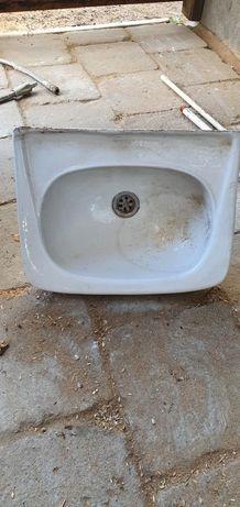Umywalka mała 46×36