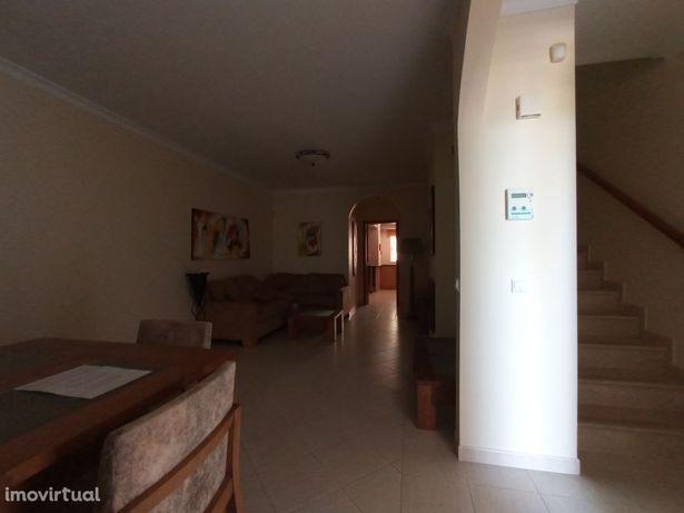 Apartamento em Lagoa, Estombar