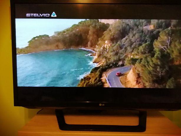 Telewizor LG (42cale) 42LM620S-ZE LED Cinema 3D SMART TV